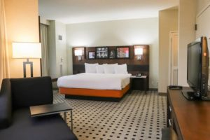 Kalamazoo Radisson Corner One Bedroom Suite